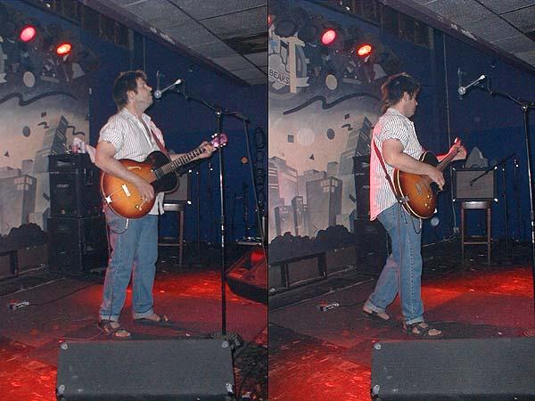Grant Hart, performing, 11 Jul 2002